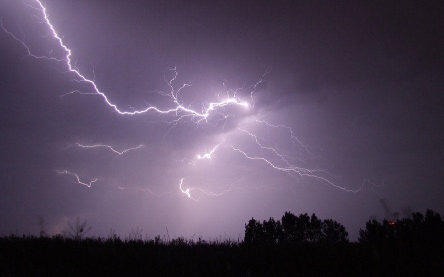 Alerta meteorológico por lluvias y tormentas fuertes, con ocasional caída de granizo