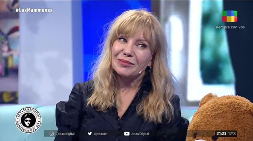 Cecilia Roth con un vestido y el amor de Fito Páez en lo de Jey Mammon