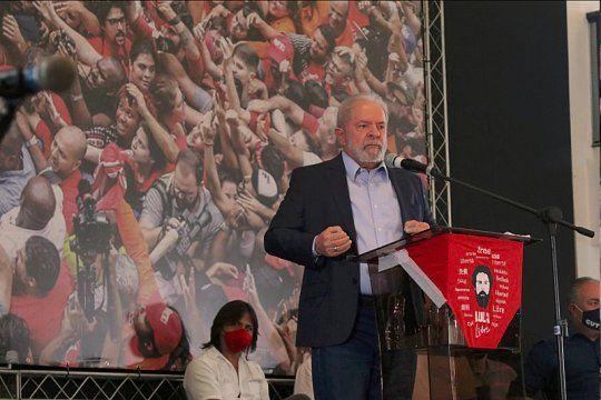 Lula Da Silva criticó a Bolsonaro y agradeció a Alberto en su reaparición pública.