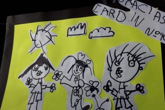 internos de bahia blanca donaron atriles y pizarras para 188 alumnos de un jardin de infantes
