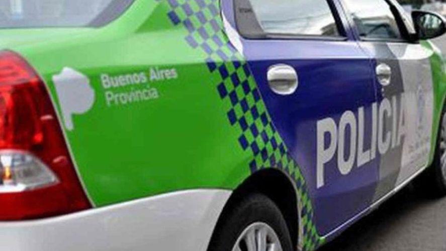 Buscan a los cuatro delincuentes que asaltaron a dos jubilados en La Plata