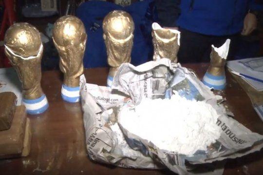 cayo banda narco que usaba replicas de la copa del mundo para ocultar y trasladar cocaina