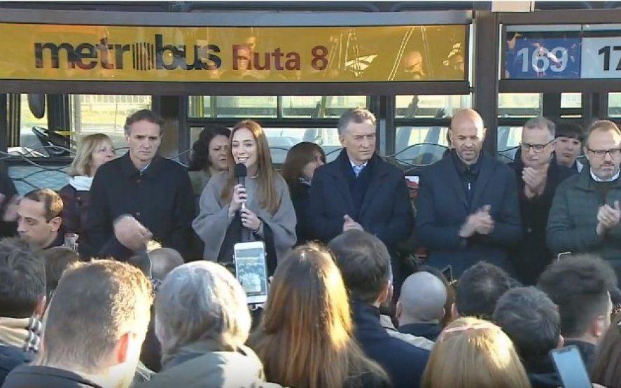 Macri y Vidal inauguraron un nuevo Metrobus y prometieron cien más si reeligen