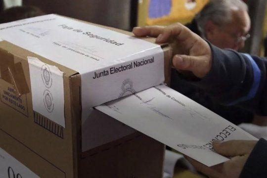 el peronismo gobernara mas de la mitad de los 135 municipios pero cambiemos retuvo distritos claves