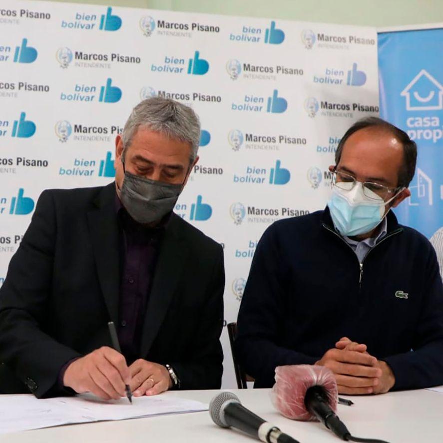el ministro Jorge Ferraresi y el intendente Marcos Pisano