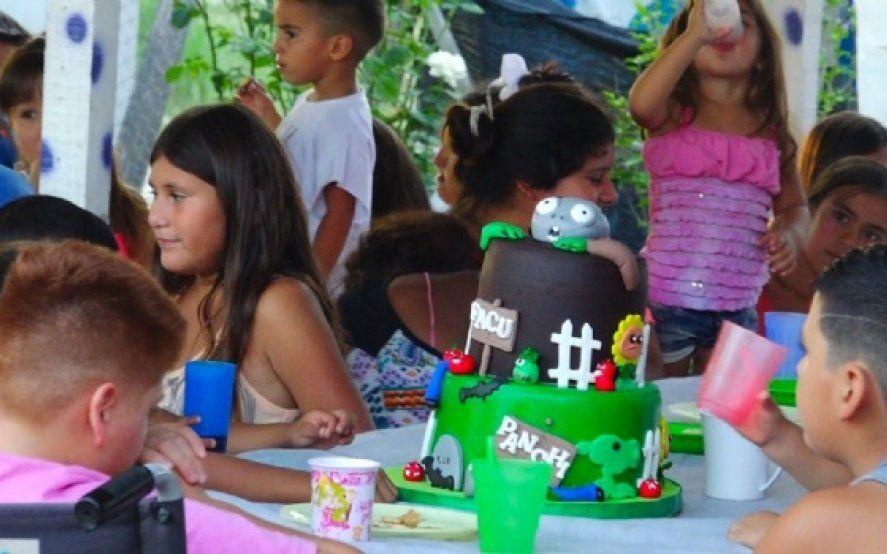 """Sin torta no hay cumpleaños: una idea para darle una sonrisa a los pibes que """"llena el alma"""""""