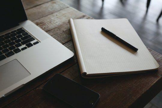El beneficio puede solicitarsecompletando el formulario disponible en el sitio web de becas de la UNLP