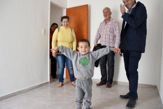 la plata: se completo la entrega de viviendas en el mercadito para cerca de 400 familias