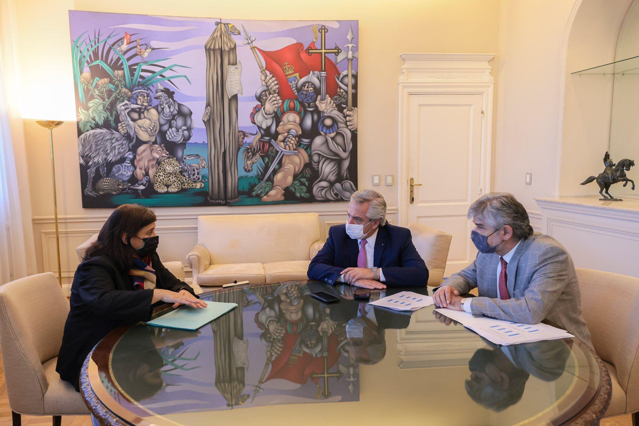 Ana Franchi, titular del Conicet, junto a Alberto Fernández y Daniel Filmus