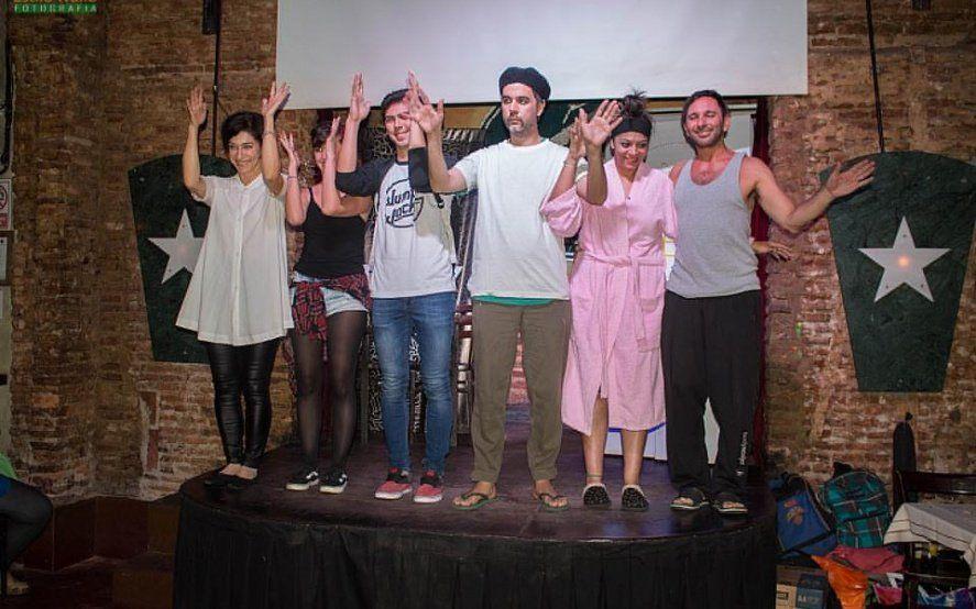 """""""Sordoyentes"""" llega a Monte: la obra de teatro que une lenguaje de señas y subtítulos"""
