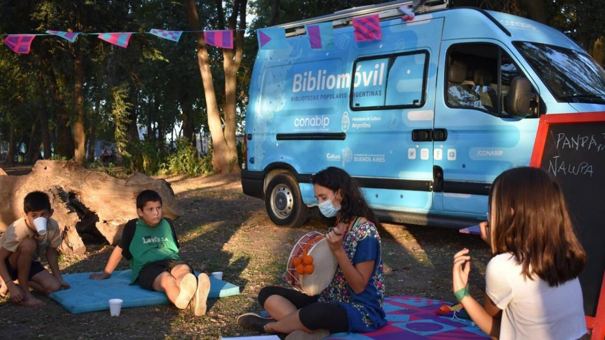 Extienden el programa que recorre la provincia con bibliotecas móviles