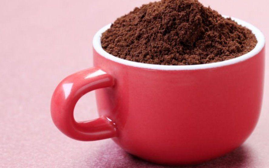 Prohíben la venta en todo el país de un café instantáneo y unos duraznos enlatados