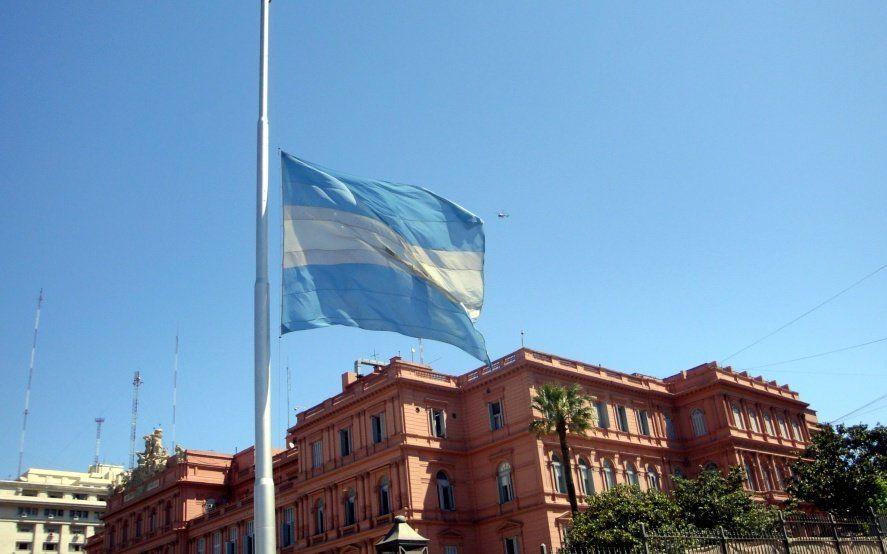 El Gobierno decretó tres días de duelo nacional por la muerte de Fernando De La Rúa