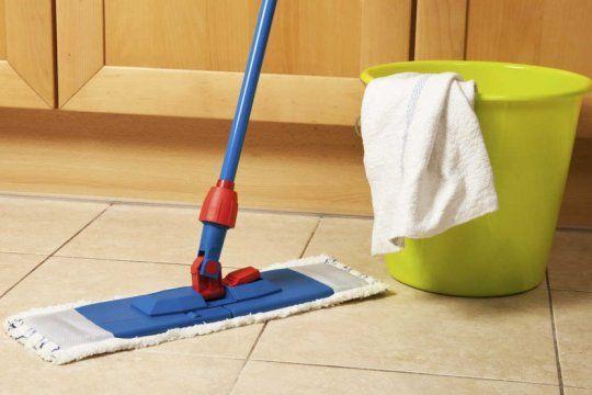 limpieza en epoca de coronavirus: conoce la tecnica del ?doble balde - doble trapo? para desinfectar tu casa