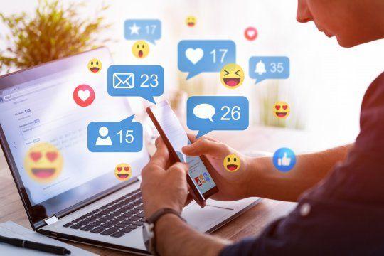 Facebook, Instagram y Tinder lideran la lista de las aplicaciones que más información personal de sus usuarios utilizan.
