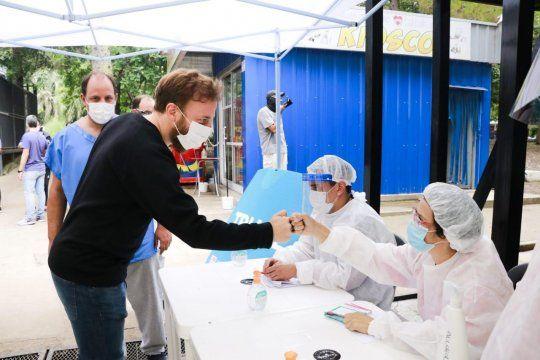 Federico Otermín supervisó el operativo de aplicación de la vacuna contra el coronavirus en Lomas