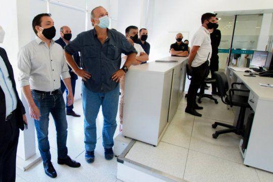 El intendente de Florencio Varela, Andrés Watson, junto al ministro de Seguridad, Sergio Berni.