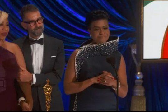 Mia Neal, la maquilladora que mencionó a Argentina y a Evita en la entrega de los Oscars