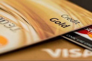 Los bancos suelen ofrecer distintos beneficios a sus clientes por el uso de sus tarjetas de crédito