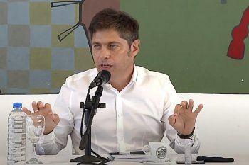 El gobernador Axel Kicillof aseguró que la libertad es la vacuna y cargó contra la oposición.