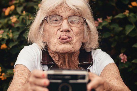 enterate por que hoy se celebra el dia de los abuelos y mira los mejores saludos en las redes