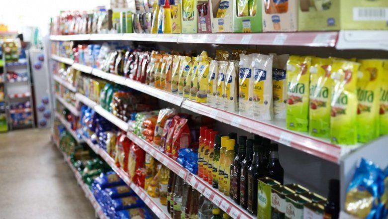 El consumo se desploma: la ventas en supermercados cayeron 12,6% y en los shopings 22,9%