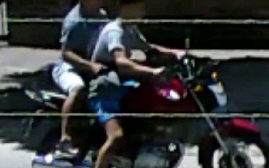 Quilmes: un jubilado sufrió graves lesiones al forcejear con dos motochorros
