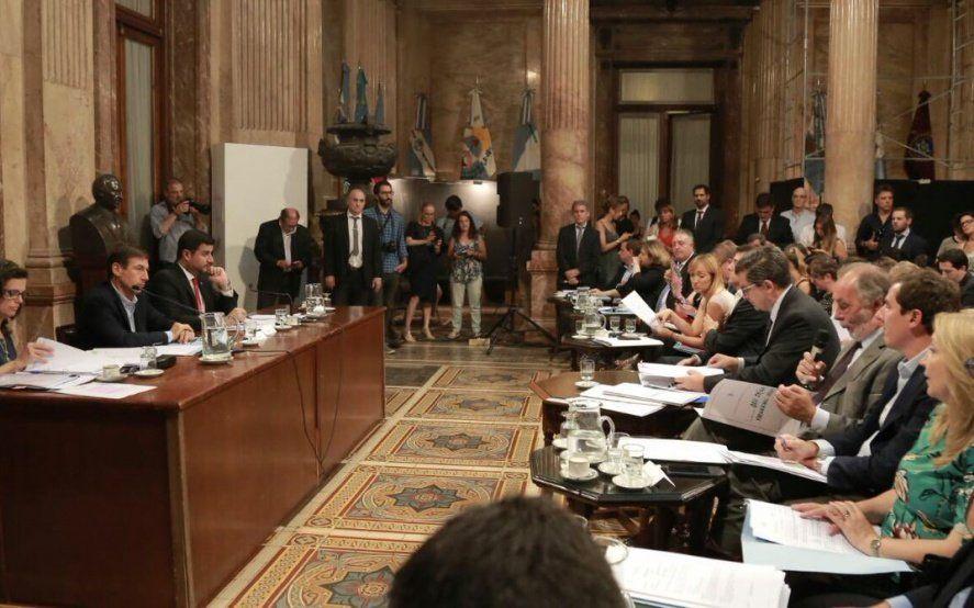 La oposición dio de baja tres decretos claves para Macri