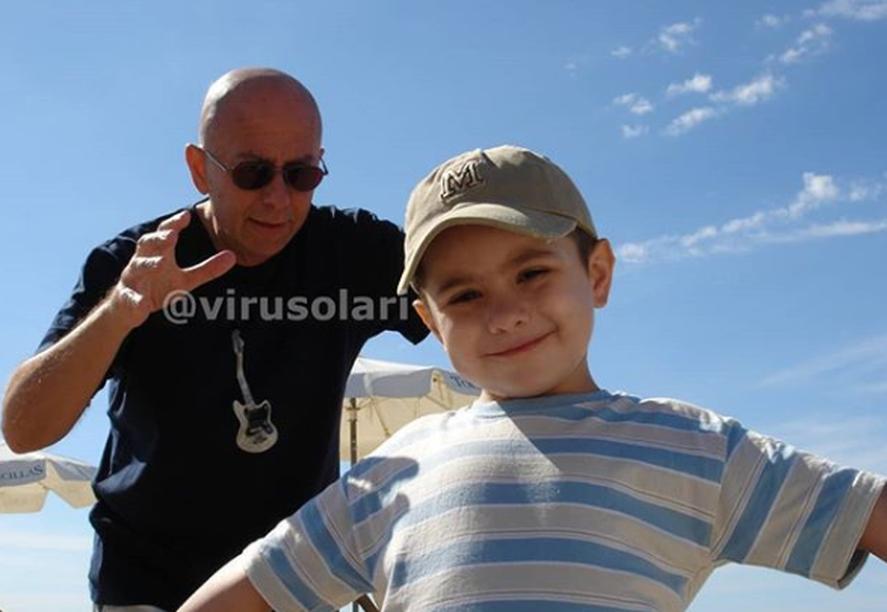 En 1986 el Indio Solari formó pareja con Virginia Mones Ruiz. Con ella fue padre de Bruno Solari, su único hijo, a finales de 2000.