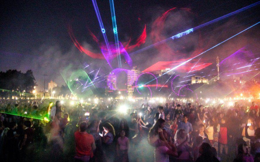 Más luces, menos ruido: Vicente López despide el 2019 con un show de láseres y música
