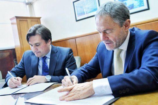 el intendente de general rodriguez firmo un convenio con el ministro de justicia bonaerense