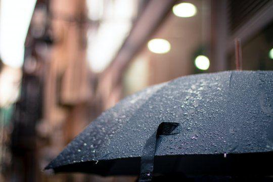 alerta por lluvias en media provincia: en el sudeste, alcanza el nivel rojo
