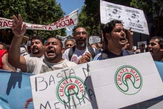 olla popular en cresta roja: tras 4 anos de promesas incumplidas, los trabajadores despedidos reclaman su reincorporacion