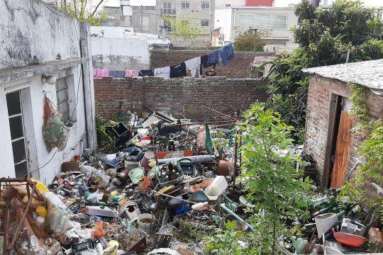 limpian la casa del acumulador platense: mira las imagenes