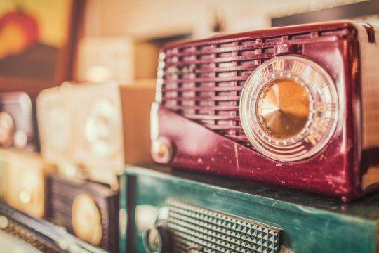 un siglo de radio: un festejo a 100 anos de su nacimiento en argentina