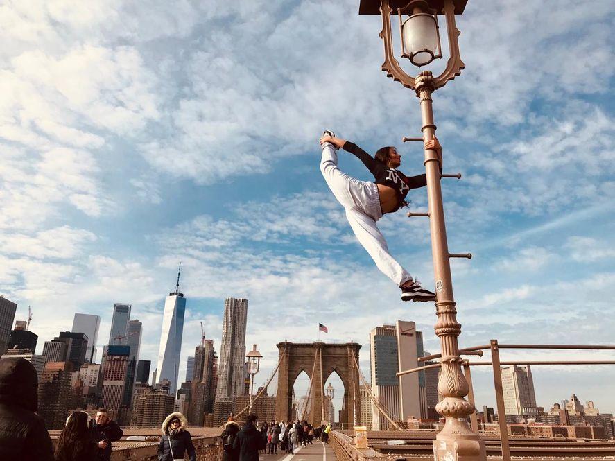 Dejó el ballet y se convirtió en la mejor bailarina de pole dance de Sudamérica