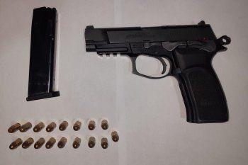 El arma robada el domingo y recuperada en las últimas horas en Punta Lara