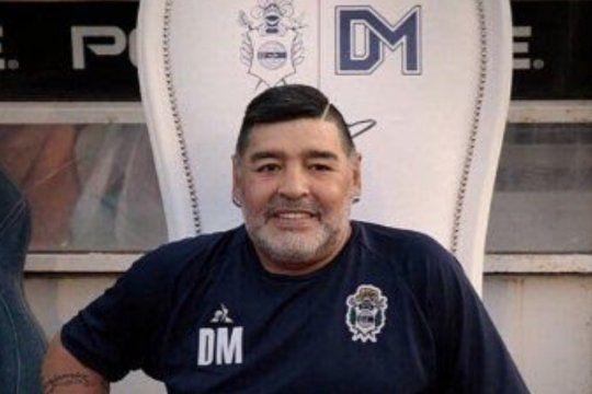 Maradona también inmortalizado en la letra de A su Manera, adaptación del tema My Way