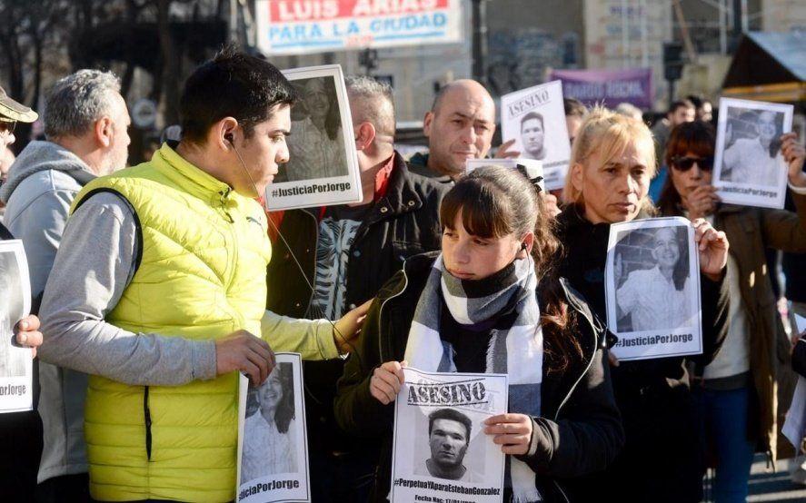 Movilización de taxistas a tribunales: fuerte reclamo de Justicia por Jorge Gómez