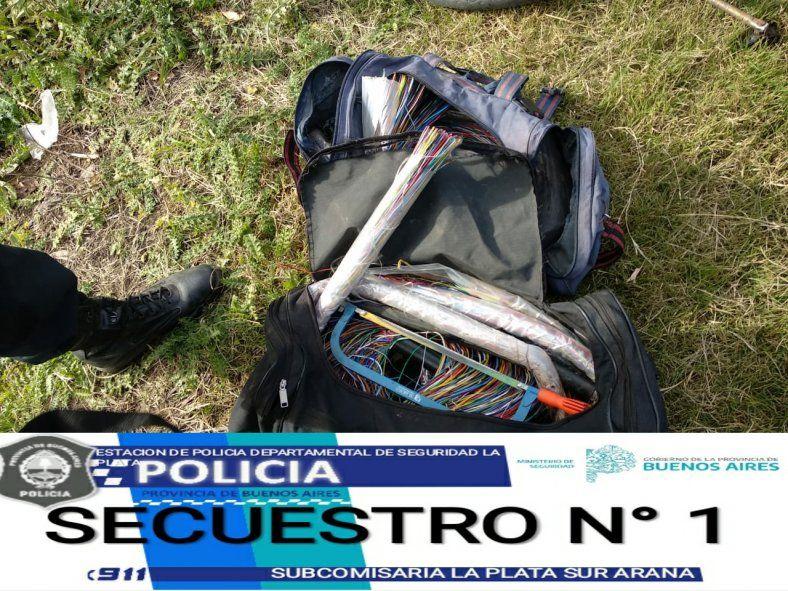 La Plata: detenidos por robar cables de fibra óptica y dejar sin internet a un barrio