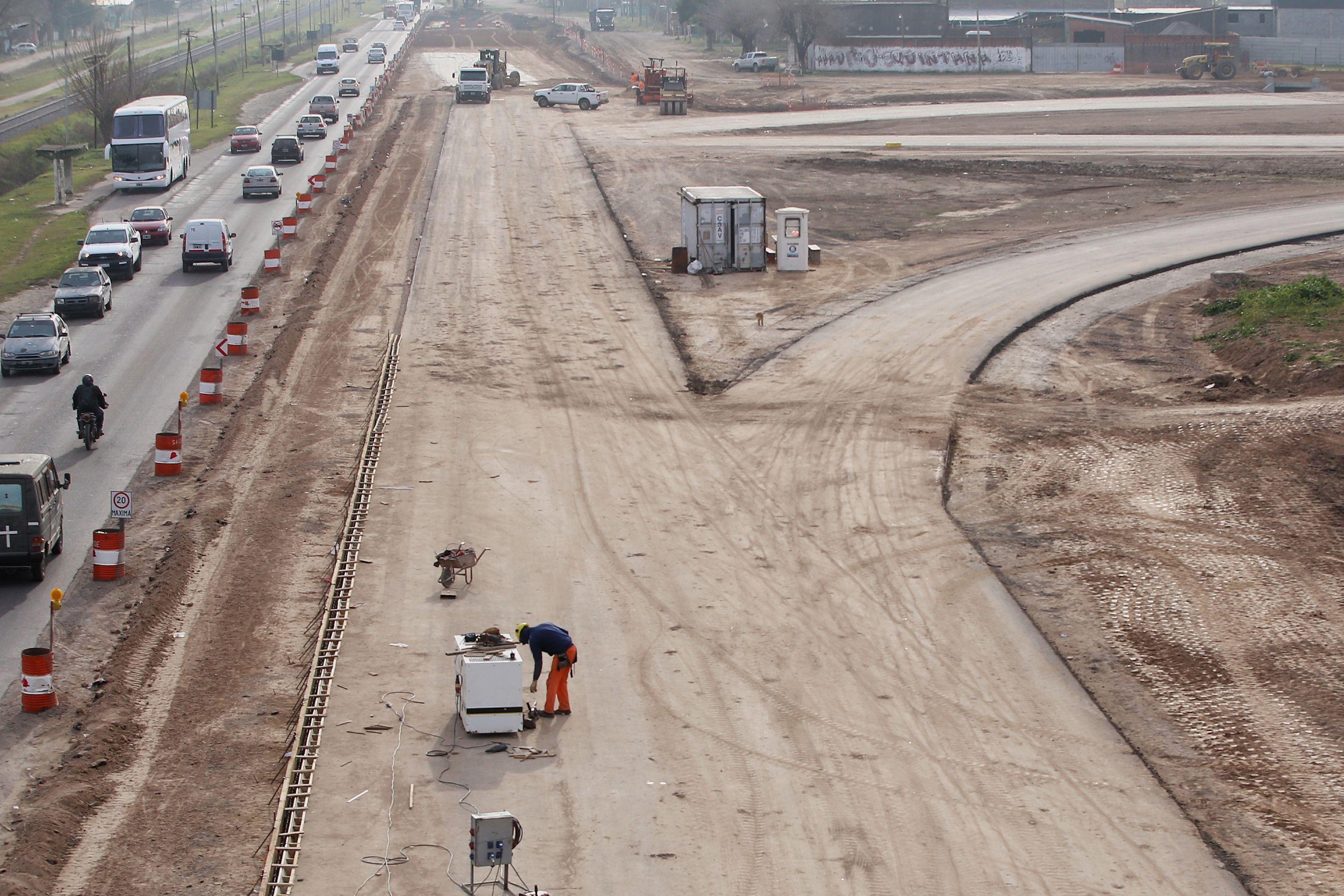Obras en la autopista Presidente Perón