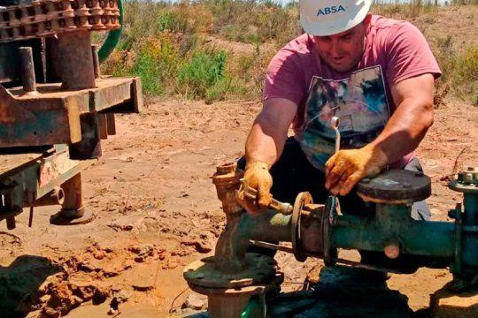 los trabajadores silenciosos de la provincia: destacan el aporte de obras sanitarias en medio de la pandemia