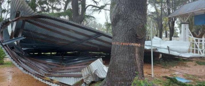 El temporal provocó importantes daños en el Hipódromo de Azul