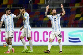 Lionel Messi le dedicó su gol a Diego Maradona en el empate de Argentina ante Chile