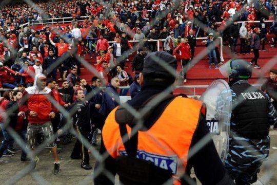 ya hay polemica por el aumento de los costos de seguridad en el futbol: el fr pide dar marcha atras