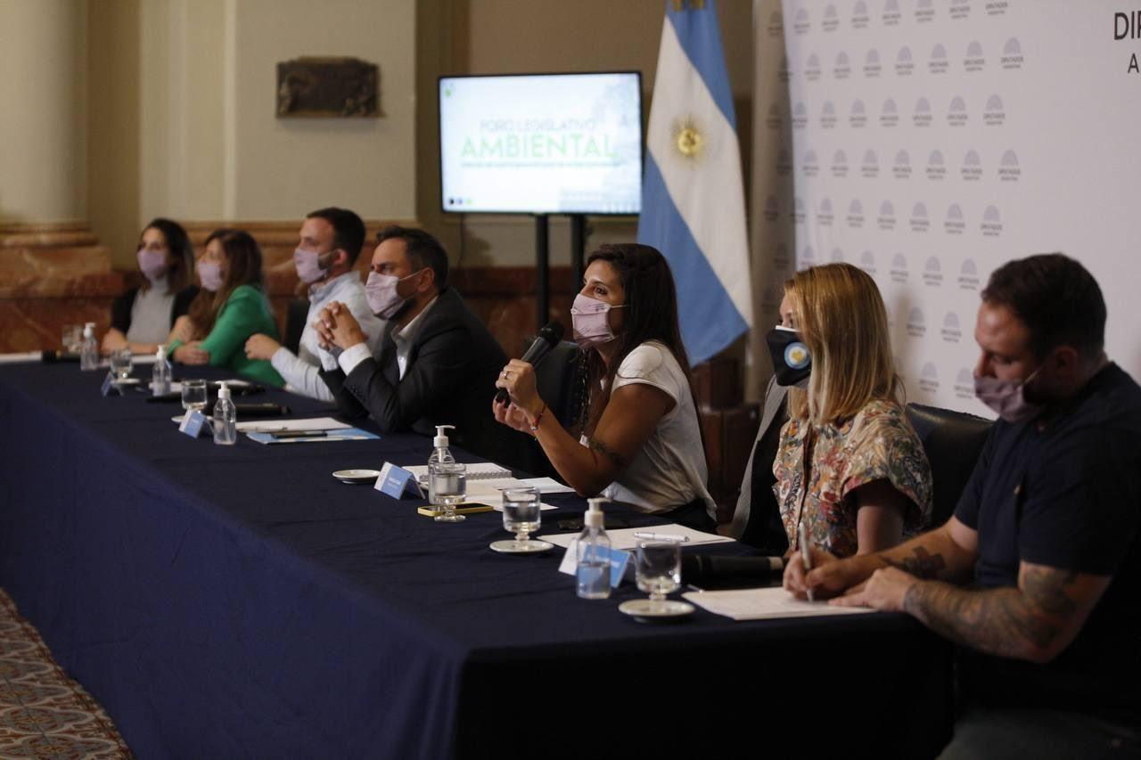 Participantes dle Foro Legislativo Ambiental