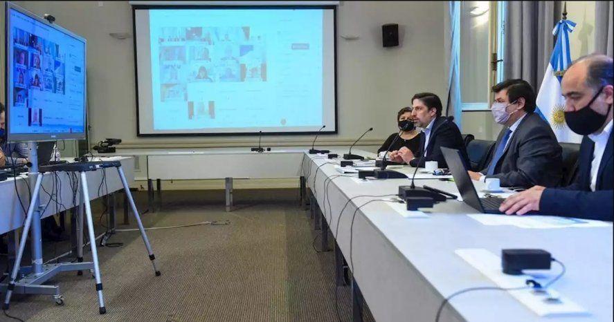 Nicolás Trotta encabezó la reunión paritaria con universirtarios