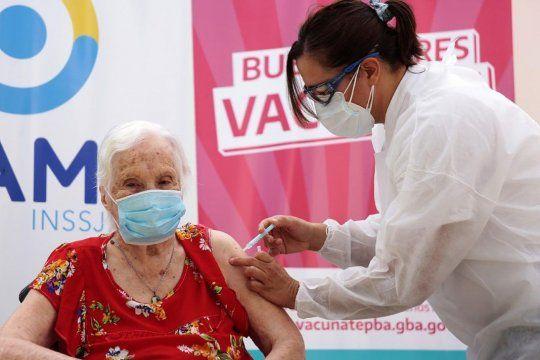 Plan de Vacunación: 63,8% de los bonaerenses lo ve positivo