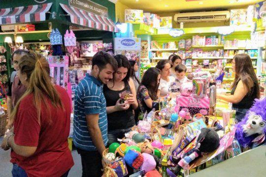 llega una nueva edicion de la noche de las jugueterias: mira el mapa con los locales adheridos