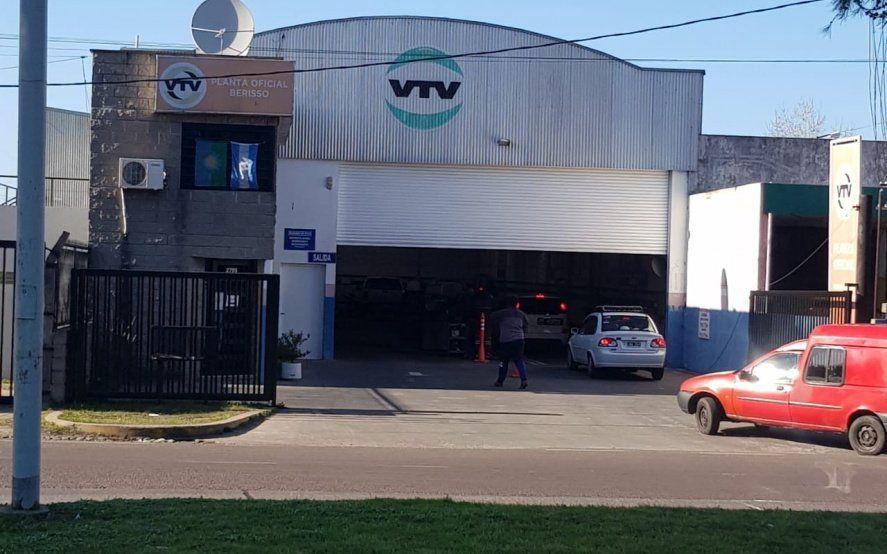 Documentos truchos: después del robo en la VTV de Berisso, alertan sobre la venta de obleas en el mercado negro